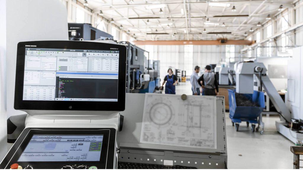 Maschinenpark der HK Präzisionsteile GmbH: Bei uns finden Sie CNC Dreh- und Fräsmaschinen.