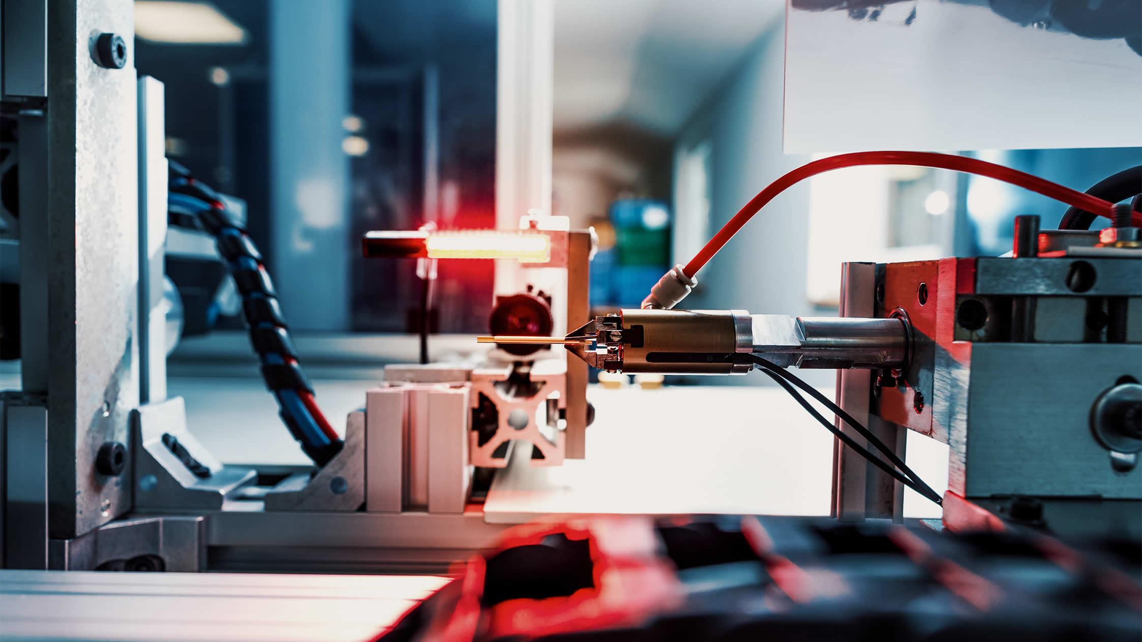 Zu sehen ist ein weiteres Prüfgerät, mit dem wir die Qualität der gefertigten Präzisionsteile sichern.